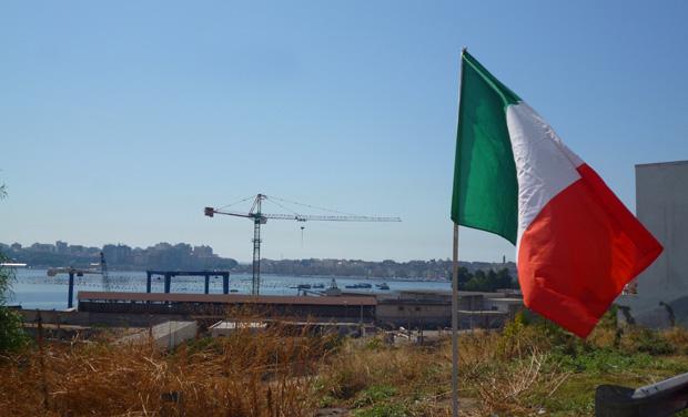 Taranto e lo specchio della crisi